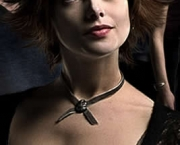 Ashley Greene como Alice Cullen