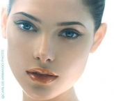 Ashley Greene - Modelo