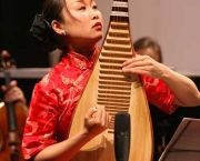 WINDSOR, ON. (FEB. 9/08) - Pipa player Liu Fang performs with the Windsor Symphony Orchestra Saturday night. The Windsor Star/Scott Webster